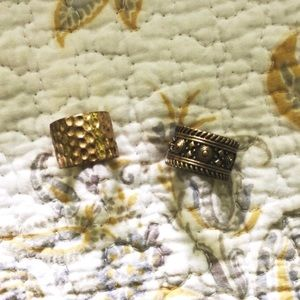 gold engraved rings